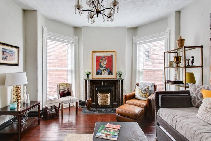 Historic Central Park Apartment / Beautiful View