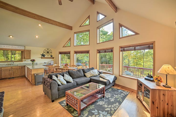 NEW! Secluded Getaway w/Mtn Views, Deck & Fire Pit