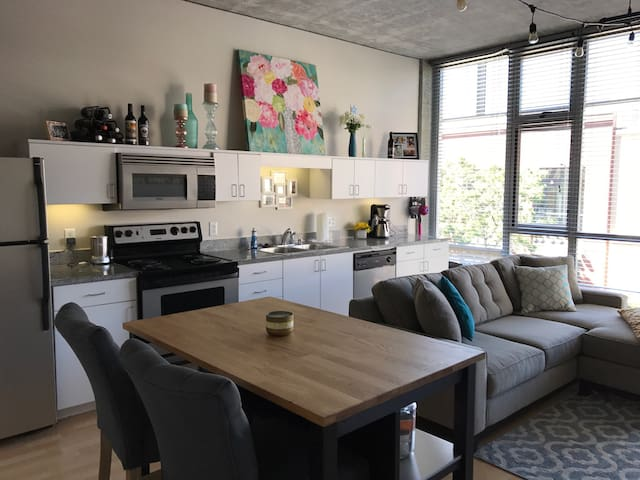 Loft in the heart of Gaslamp - San Diego - Appartement