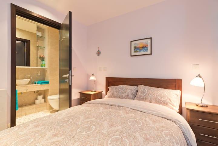 Luxury en-suite bedroom.