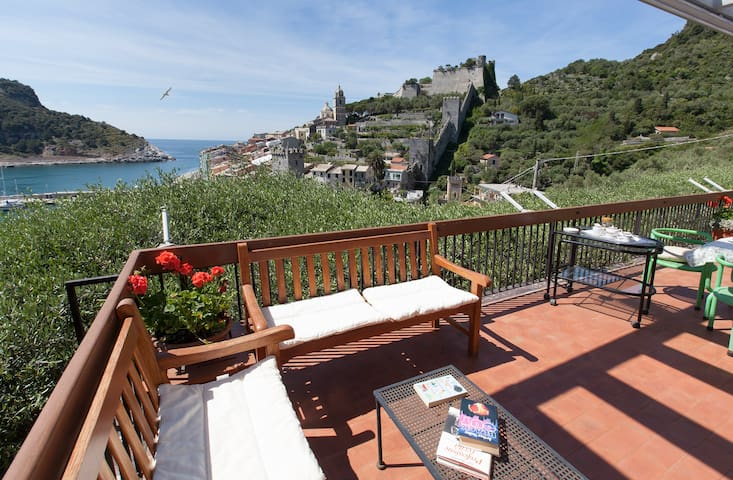 Villa Le Bocche: a fairy-tale view!