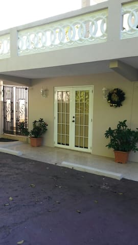 Peaceful Apt # 2 in the hill/Caguas - Caguas - Byt