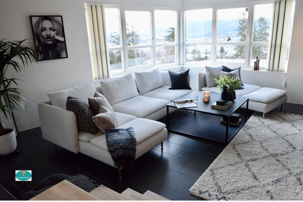 """""""I couldn't recommend this place more, it's definitely one of the best Air bnb experiences we've ever had"""" by Aisling. -Living room."""