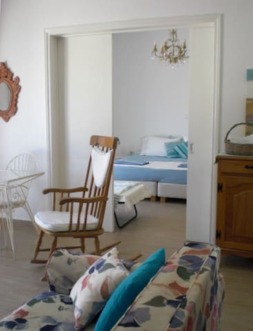 Breezy Seaside Loutraki Penthouse, wifi & parking