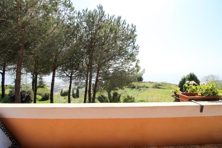 Quiet sea view villa w/ terrace & garden - enjoy the Italian island lifestyle!