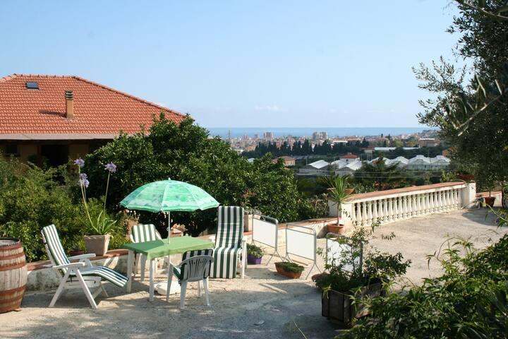 CaMikito - Perfekt läge på Rivieran - TAGGIA - Arma di Taggia - Pis