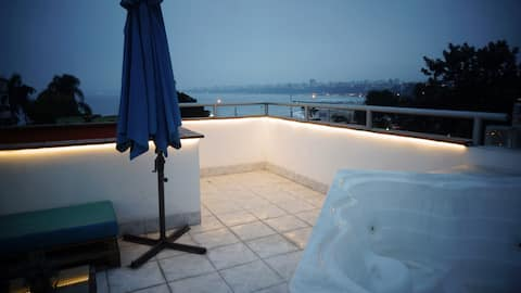 ★ Ocean View Rooftop with Jacuzzi  ★