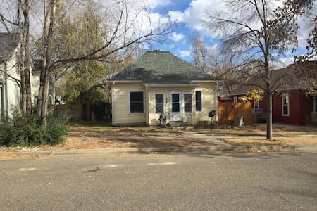 Cozy Home in Old Town Berthoud - Berthoud