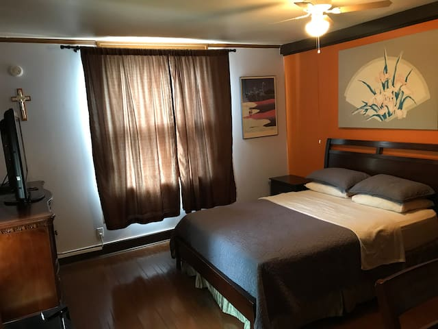 Nisku Guest House and airport parking