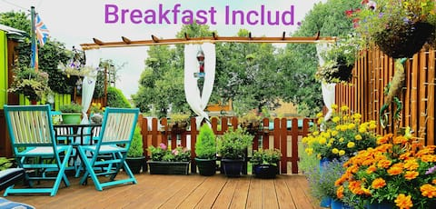 Quiet Room, BREAKFAST INCLUD. Cosy & Friendly Home