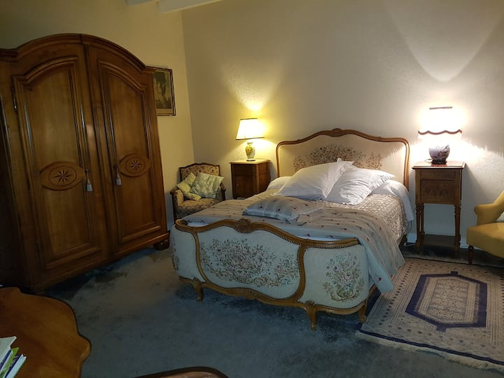 Bed and Breakfast chez June -Chambre Alyth-