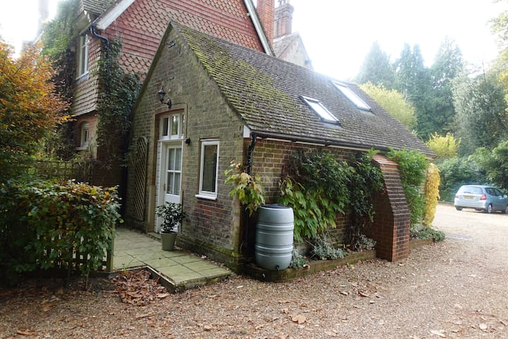 The Wendy House, South Downs - Steep - Apartamento