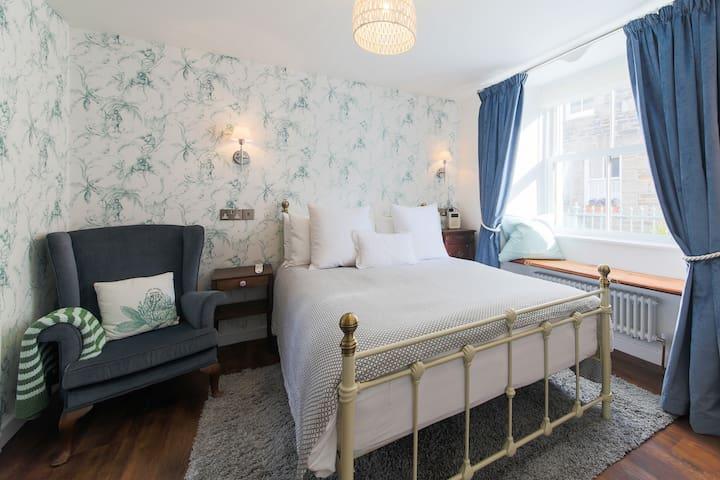Double room  near harbour - Mevagissey - Bed & Breakfast