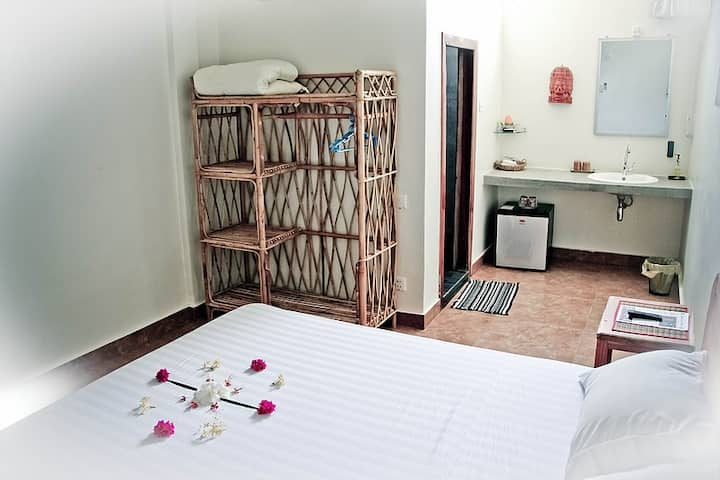 Sweet room for two in Battambang
