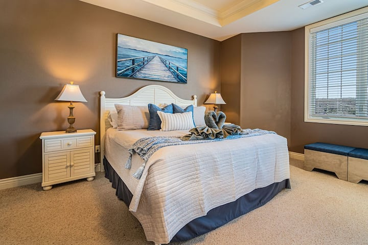 Cliffs Resort, 2 bed, 2 bath Penthouse Condo - C6