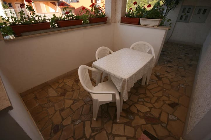 One bedroom apartment with terrace Pula (A-6987-b)