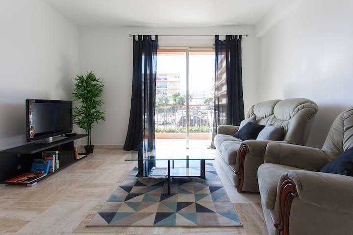 Appartement 50m2, 500mn des plages et gare SNCF - Antibes - Appartement