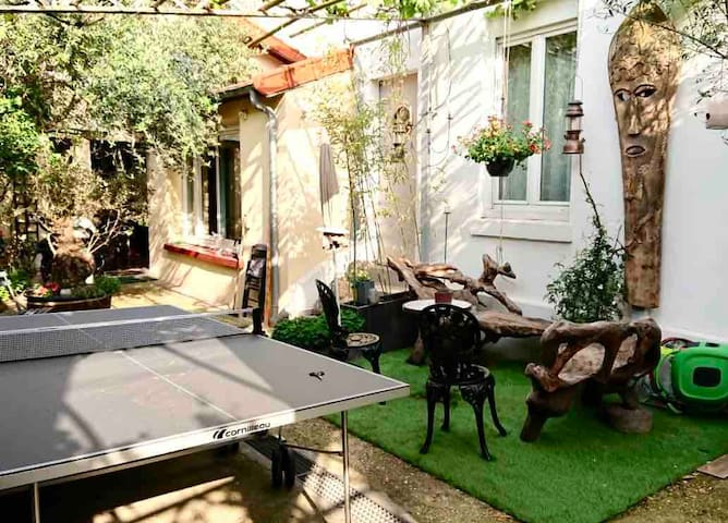 PRETTY PARISIAN HOUSE, 5 beds at 50m from Paris
