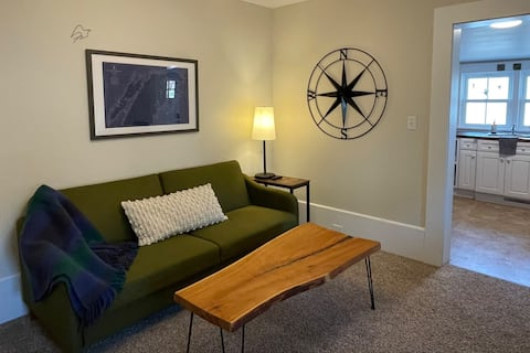 Little Bay Cottage #3 - Relaxing Petoskey Getaway