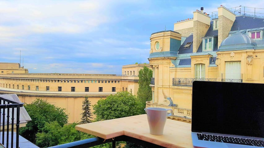 Balcon Vue Tour Eiffel à Trocadéro