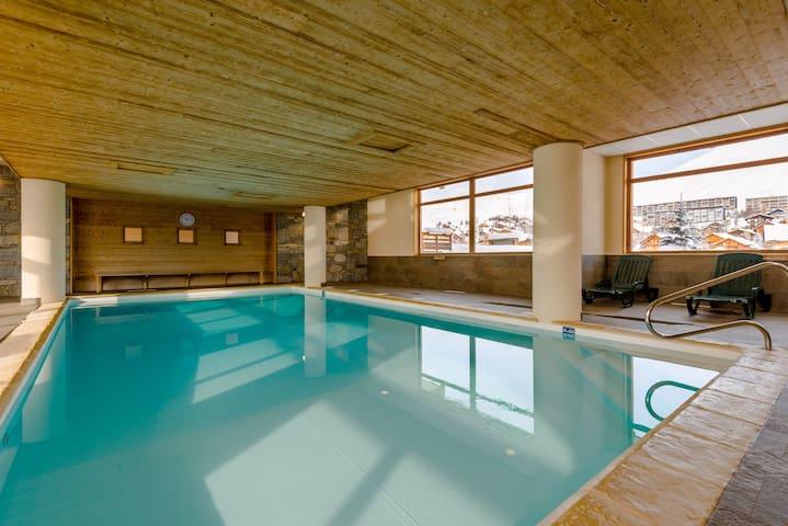 Appartement alcove près des pistes ! Piscine + Sauna