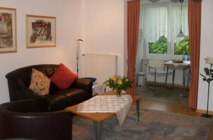 Möbilierte Wohnung in einem Mehrfamilienhaus