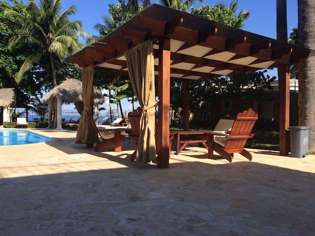 Villa Palmar de Ocoa para 20 huéspedes , cocinera