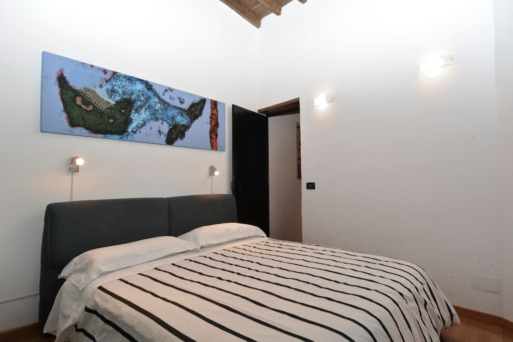 King size bedroom at Piazza Navona Rome