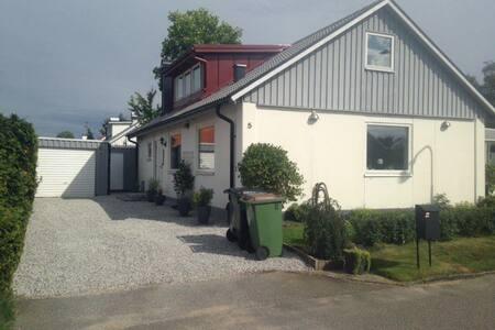 Mysig ovanvåning i Bara, nära till Malmö
