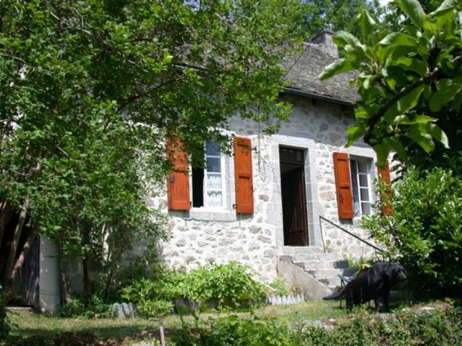 Maison chataigneraie cantal maisons louer ladinhac for Auvergne location maison