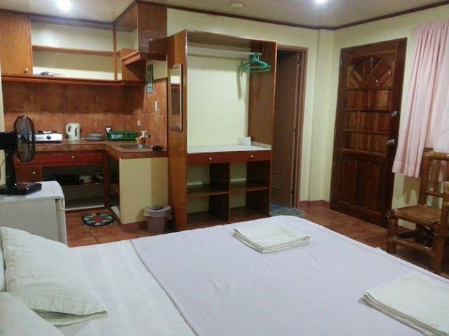 Comfy Double Bed with Kitchenette - Malay - Huoneisto