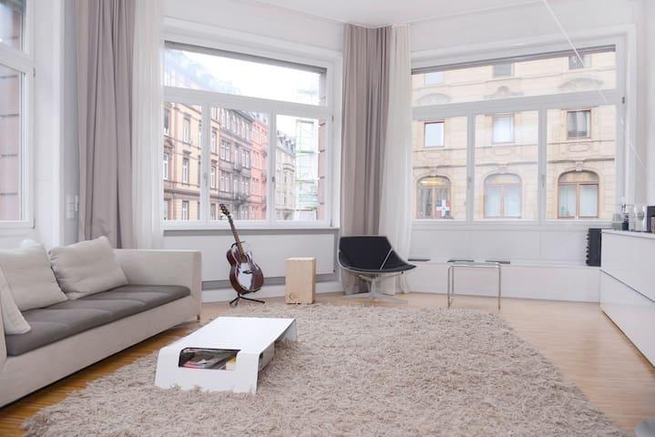 Stilvolles Zimmer im Altbau