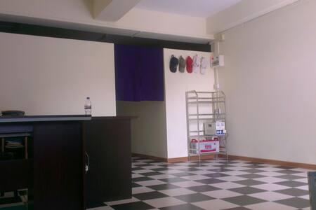 Westcoast language school loft - Hledan district,   - Loft-asunto