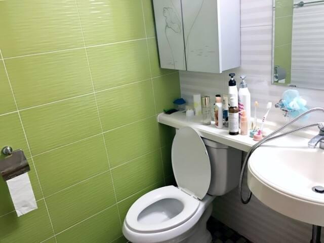 서울대입구역 도보2분 깨끗한 숙소