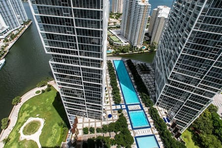 Viceroy Miami 1BR Balcony waterview