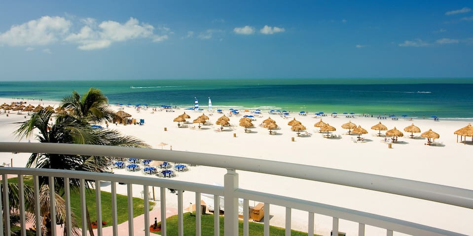 Beachfront One Bedroom Suite in Marco Island - Marco Island - Apartment