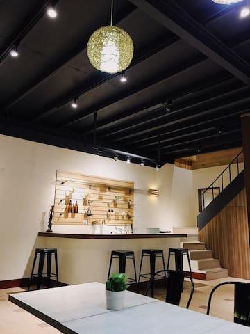 老林家.青年行旅 Lin's Inn Café & Bed- 在設計師咖啡館住一晚 *8-12人包棟