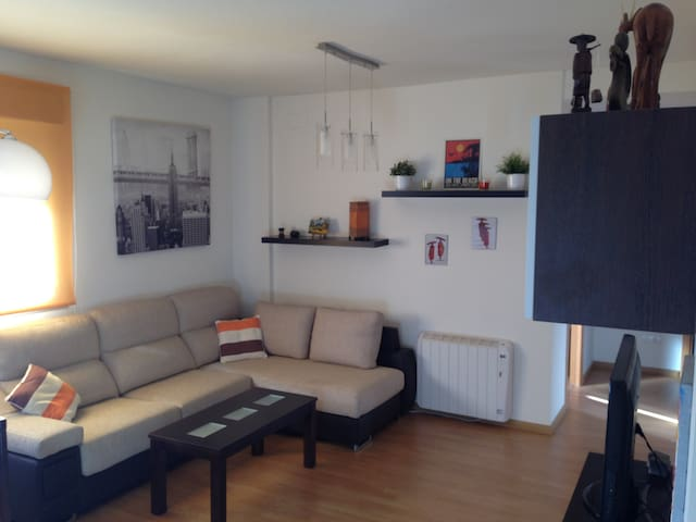 Gorgeous apartament,pool and garage - Alhendín - Apartment