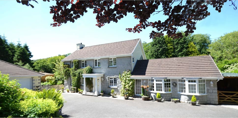 The Grange and Nutkin Lodge