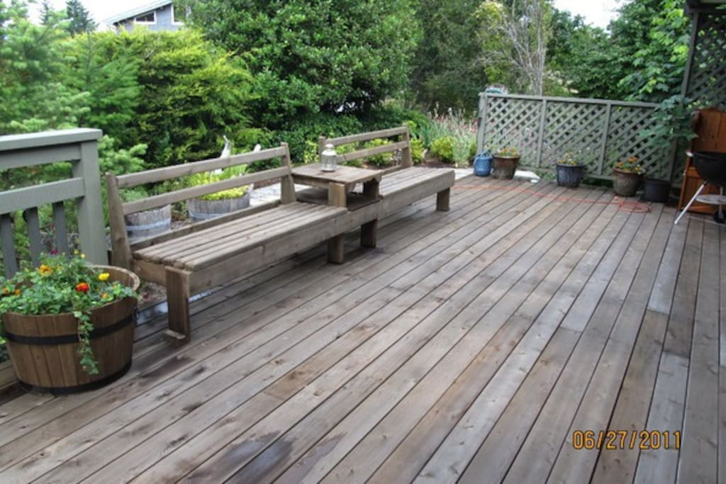 North Ocean facing deck.