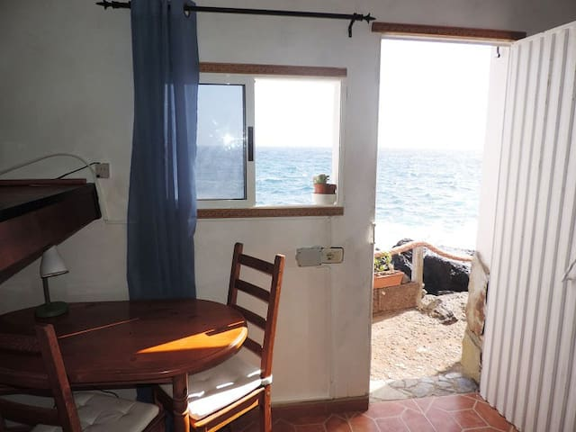 Bright Studio Apartment Next to the Ocean - Sta. Cruz de Tenerife - 公寓