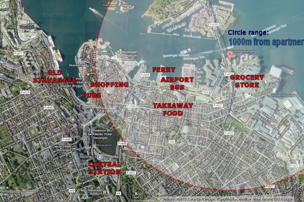 Circle shows 1000m range from apartment. 500m to airport bus & ferry, 1000m to shopping & pub area