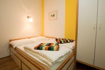 Apartment KOMNA - Lejlighed