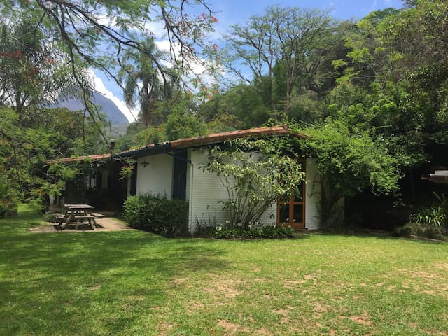 Secure retreat 90mins from Rio - Petrópolis - Cabane