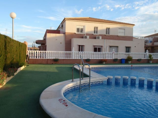3 bedroomed house WIFI, BBQ & bikes - Cabo Roig - House