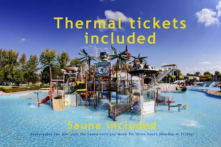 ★Aparthouse Supreme★ w/6 tickets to swimming pools