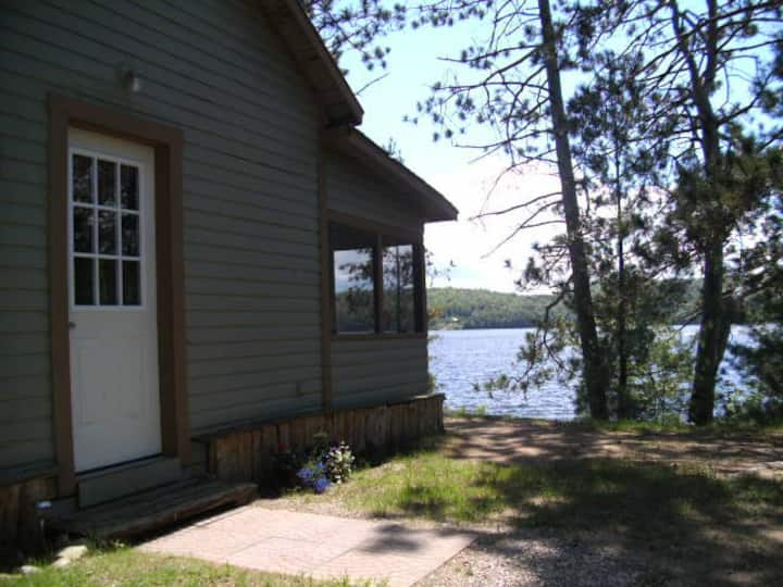 Lakefront Cottage-Barry's Bay, ON
