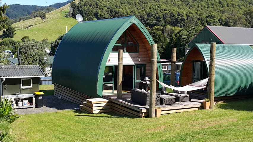 Unique Kiwi Beach Chalet
