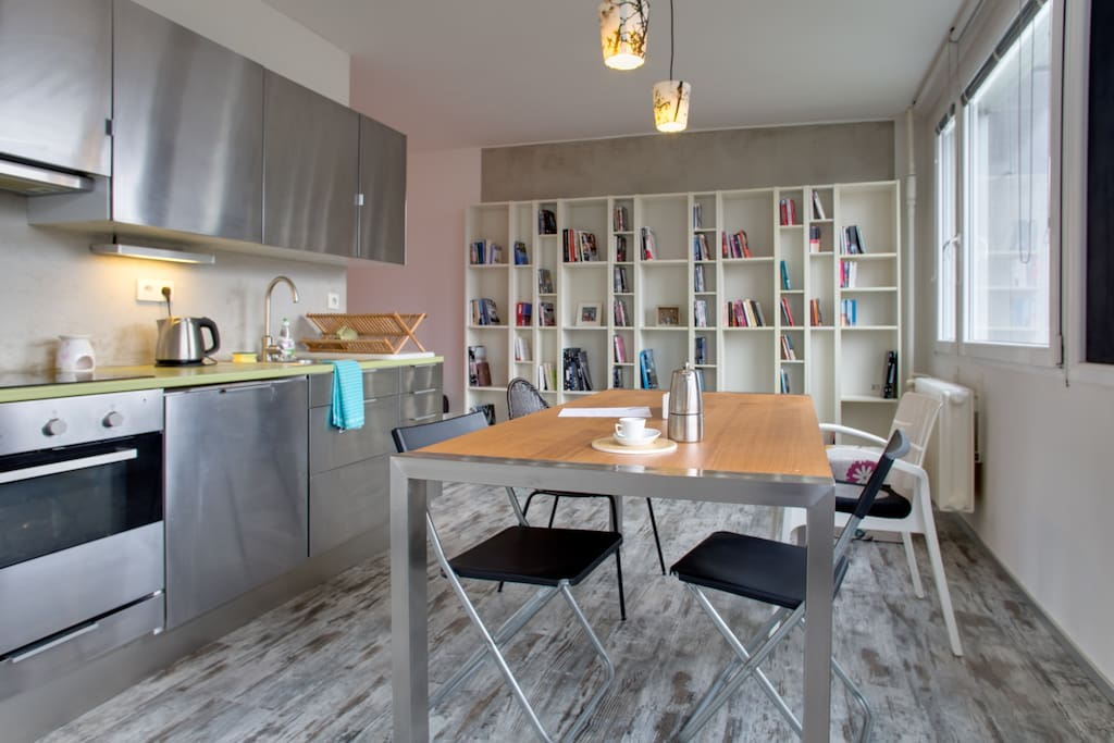 Modern fully furnished studio apartments for rent in for Furnished studio apartments