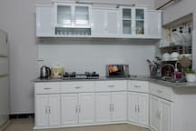 Ali Villa 5B has a fully equipped kitchen for guests using